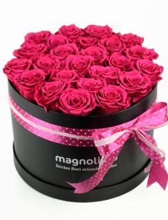 Trandafiri criogenati roz in cutie
