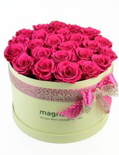Trandafiri criogenati roz in cutie crem