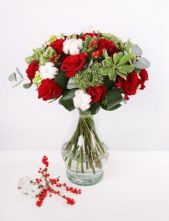 Buchet trandafiri rosii si bumbac