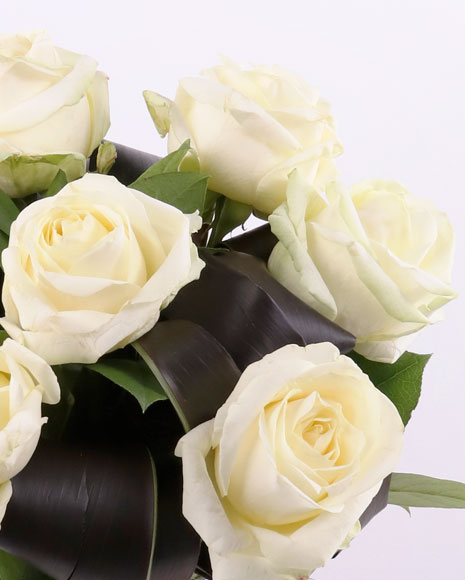 Buchet trandafiri albi