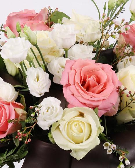 Buchet delicat cu trandafiri