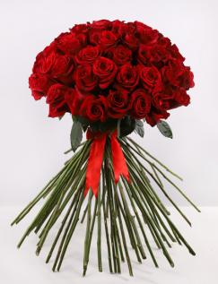 Buchet cu trandafiri roșii
