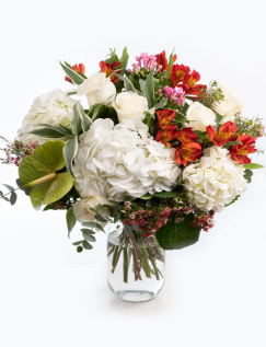 Buchet cu hortensii și trandafiri albi