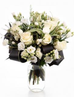 Buchet clasic cu flori albe