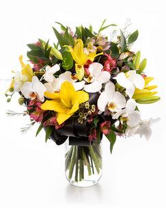 Buchet orhidee, crini şi alstroemeria