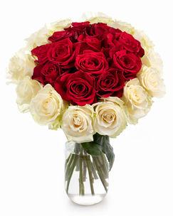 Buchet trandafiri albi şi roşii