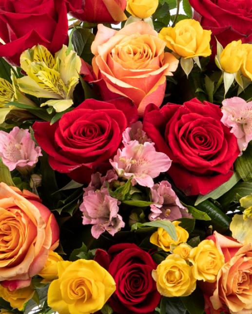 Buchet trandafiri si alstroemeria