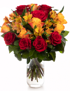 Buchet cu trandafiri și alstroemeria