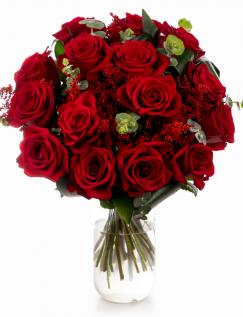 Buchet cu trandafiri roșii și solidago