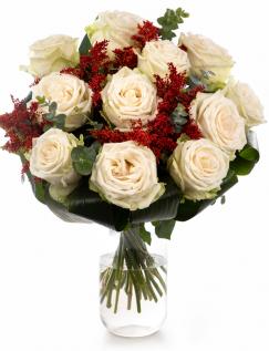Buchet cu trandafiri albi și solidago
