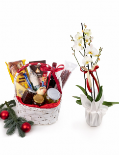Basket with traditional products